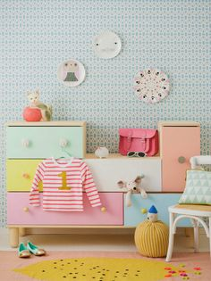 Refreshing green plus cheery yellow = happy room! found on Arkpad | 10 Colourful Nurseries - Tinyme Blog