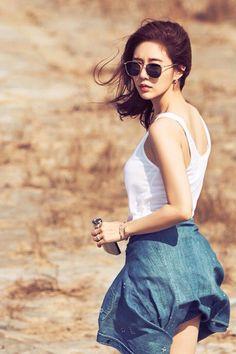 Yoo In Na | 유인나 Yoo In Na Fashion, Asian Fashion, Korean Actresses, Korean Actors, Korean Star, Korean Girl, Beautiful Asian Girls, Beautiful People, Clothing Hacks