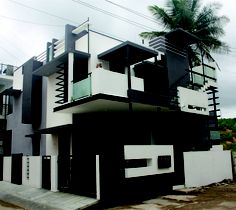 Actual side view of Front Elevation - for Puru's Independent Bungalow by Ashwin Architects in Bangalore.    Call (+91)-(80)-26612520 for more information or visit http://www.ashwinarchitects.com