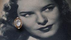 Elegant Vintage 1960s Large Clear Rhinestone Gold Filigree