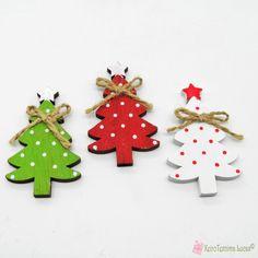 Ξύλινο έλατο σε τρία χρώματα Wooden Products, Christmas Ornaments, Decoration, Holiday Decor, Color, Home Decor, Decor, Decoration Home, Room Decor
