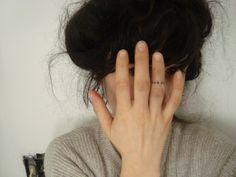 finger tattoo.: