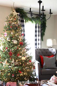 living-room-christmas-tree-1