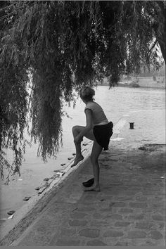 Le square du Vert-Galant en 1955, photographié par © Henri Cartier-Bresson.