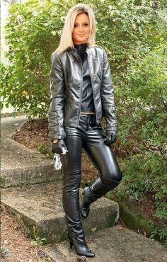 Blond in Lederhosen-Jackenhandschuhen Blond en cuir pantalon veste gants Tight Leather Pants, Leather Pants Outfit, Leather Trousers, Faux Leather Leggings, Leather Dresses, Leather Gloves, Leather Jacket, Gq, Lederhosen Outfit