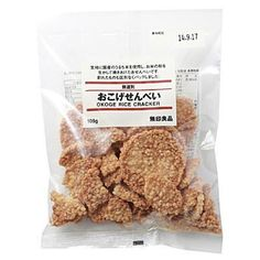 Muji Okoge Senbei are made with rice grown domestically in Japan. These savoury Japanese rice crackers are roasted and flavored with a sweet soy sauce. They are crispy and super delicious for eating anytime as a snack. Japanese Rice Crackers, Japanese Snacks, Rice Snacks, Savory Rice, Food Packaging, Packaging Design, Muji, Natural Flavors, Nom Nom