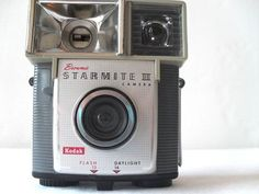 What kind of weirdo doesn't love a vintage camera? : )