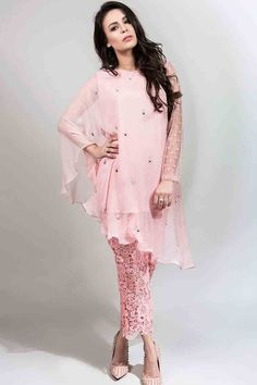 latest light pink fancy short shirt with matching trousers latest maria b fancy party wear eid dresses 2017 with price for girls Eid Dresses For Girl, Stylish Dresses For Girls, Stylish Dress Designs, Designs For Dresses, Casual Summer Dresses, Simple Dresses, Winter Dresses, Bridal Dresses, Wedding Dress