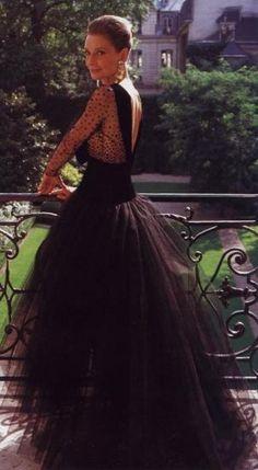 Audrey dans sa robe Givenchy favori noir#noir