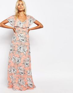 Imagen 1 de Vestido largo con detalle de tiras en la espalda y estampado floral de Fashion Union