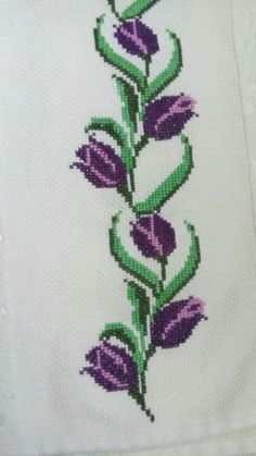 This Pin was discovered by Hul Just Cross Stitch, Cross Stitch Borders, Cross Stitch Flowers, Cross Stitch Designs, Cross Stitching, Cross Stitch Patterns, Beaded Embroidery, Cross Stitch Embroidery, Alice In Wonderland Cross Stitch
