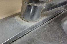 Kalkkitahrat ovat yleinen ja ärsyttävä vaiva, joiden siivoamiseen löytyy kuitenkin yksinkertainen niksi. Etikka on ihmeainetta ainakin silloin, kun puhutaan siivoamisesta ja erityisesti tahranpoistosta. Tarvitset tätä niksiä varten vain:  Etikkaa Rätin Pesusienen Kulhon  Katso alta vaih