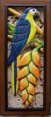 Blog de Rodrigo Calderón Avellaneda para mostrar, desde la ciudad de Bucaramanga(Colombia),sus artesanias en madera tallada,calada y pintada,con motivos de la   fauna y la flora tropical Clay Art Projects, Clay Crafts, Foam Carving, Intarsia Wood, Clay Wall Art, Clay Birds, Chicken Art, Tropical Art, Pallet Art