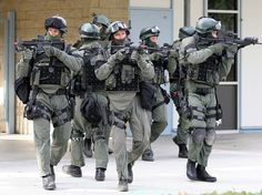 U.S. Sheriffs Rise Up Against Federal Government: Sheriff Threatens Feds With SWAT Team ~ Grass Roots Take Charge!
