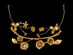 Ancient to Post-Medieval History - Hellenistic Greek Gold and Glass Floral Wreath,. Roman Jewelry, Greek Jewelry, Jewelry Art, Fine Jewelry, Jewelry Design, Jewlery, Medieval Jewelry, Ancient Jewelry, Antique Jewelry