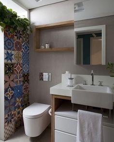 That money plant & colored tiles