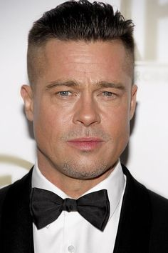 Brad Pitt Fury haircut is the one to be all the rage these days. Not only it is so popular because Brad wear is – there are other things about it too! Brad Pitt Short Hair, Brad Pitt Fury Haircut, Brad Pitt News, Best Undercut Hairstyles, Look Man, Haircuts For Men, New Hair, Hair Cuts, Long Hair Styles