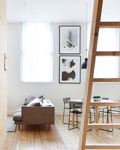El pequeño piso con paredes de contrachapado - Ebom