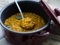 zuppa di orzo con legumi e castagne