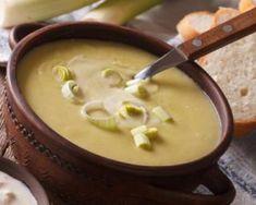 Soupe tendresse de poireaux au saumon fumé Croq'Kilos : http://www.fourchette-et-bikini.fr/recettes/recettes-minceur/soupe-tendresse-de-poireaux-au-saumon-fume-croqkilos.html