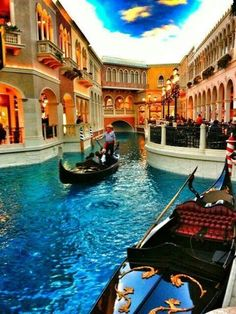 """Maybe a pic of us cuddling on the gondola? Las Vegas - The Venetian - And the Gondola """"drivers"""" sing just like they do in Venice! Las Vegas Hotels, Casino Hotel, Las Vegas Trip, Las Vegas Nevada, Vegas Casino, San Diego, San Francisco, Vegas Vacation, Dream Vacations"""
