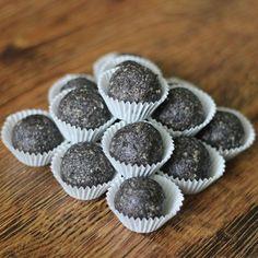 Makové kuličky II. Bude, Vegan Treats, Muffin, Cookies, Breakfast, Fitness, Food, Crack Crackers, Morning Coffee