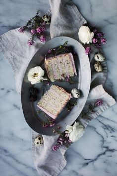 lemon poppy seed cake with blackberry vanilla bean buttercream // ohhoneybakes.com