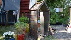 Bygg ett litet hus med flera användningsområden – det här blev ett klädskåp   Strömsö   svenska.yle.fi Outdoor Structures, Garden, Garten, Lawn And Garden, Gardens, Gardening, Outdoor, Yard, Tuin