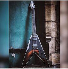 Daemoness Flying V #guitars