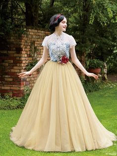 Snow White Outfits, Fairytale Dress, Fairy Dress, Disney Princess Dresses, Disney Dresses, Disney Wedding Gowns, Robes Disney, Beautiful Dresses, Nice Dresses