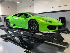 Last one for the day! Final inspection before delivery tomorrow! Byeeee _______________________________________________ #lamborghini #lamborghinihuracan #huracan #huracantalk #supercar #supercars #carlifestyle #carswithoutlimits #carlifeflorida #blacklist #orlando #orlandolife #follow #blacklistlifestyle #igersorlando #thecitybeautiful #sold