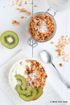 Kokos crumble met yoghurt - Mind Your Feed