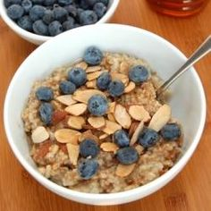 Honey & Pear Oatmeal with Almonds - http://sportequipmentmart.com/honey-pear-oatmeal-with-almonds/