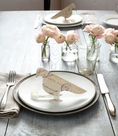 What a fun way to set a table!