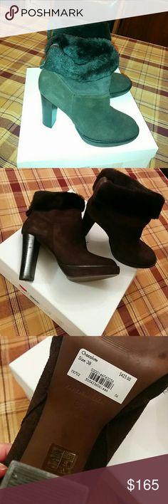 """🆕Karen Millen luxury chocolate suede boots Karen Millen luxury chocolate suede boots, very soft and comfortable, heels about 4"""". Made in Spain. size 38. Karen Millen Shoes Ankle Boots & Booties"""