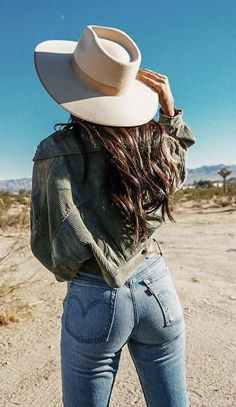 Cowgirls, Country, Hats, Fashion, Moda, Rural Area, Hat, Fashion Styles, Country Music