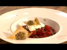 Borschtsch mit gefülltem Teigtascherl (Paul Ivic) - YouTube Paul Ivic, Passion, Beef, Youtube, Food, Vegetarian Cooking, Vegane Rezepte, Food Food, Cooking