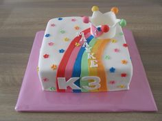 K3 taart vierkant/ Cake Cupcakes, Healthy Desserts, Party Themes, Bakery, Food And Drink, Birthday Cake, Pasta, Sweets, Recipes For Children