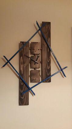 Kendi tasarladıgım saatler BY celo Clock Art, Diy Clock, Clock Decor, Wood Projects That Sell, Diy Wood Projects, Wall Clock Wooden, Wood Wall Art, Pallet Clock, Cool Clocks