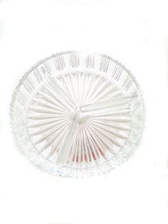 Schöne Glasschale mit 3er Einteilung für Gebäck. Original aus den 70er Jahren. Best.-Nr.RGE1021. - gebraucht-