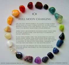 Reiki Healing & Meditation Crystal Journey's New Moon Rituals, Full Moon Ritual, Crystals And Gemstones, Stones And Crystals, Gem Stones, Chakras, Full Moon In Pisces, Full Moon 2018, Charge Crystals