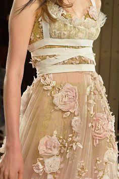 Bordado de la textura en las colecciones de alta costura. Los motivos florales - Feria Maestros - hecho a mano, hecho a mano