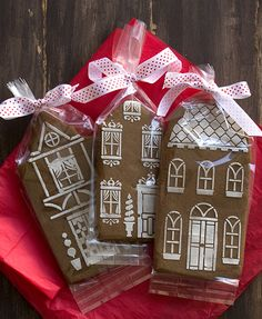 Finnish Gingerbread with stenciled royal icing