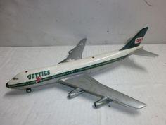 altes-Schuco-Nr-1025-Blech-Modellflugzeug-Boeing-747-Jetties-mit-Uhrwerk-28cm