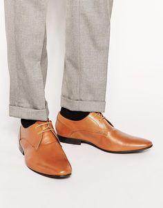 Schuhe von KG by Kurt Geiger weiches Obermaterial aus Leder abgerundete Zehenpartie geschnürtes Modell Strukturiertes Flecken mit einem Schwamm entfernen Obermaterial aus 100% echtem Leder