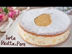 Making a cake with fresh ricotta brings the moistness to a whole other level. This sweet and creamy cake is perfect for all you ricotta lovers. Check out the recipe by Fatto in Casa da Benedetta. Custard Recipes, Baking Recipes, Cake Recipes, Baking Powder Ingredients, Cake Ingredients, How To Make Cake, Food To Make, Raspberry Coffee Cakes, Pie Crumble