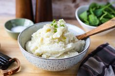 Rice Cooker Mashed Potatoes Cooking Mashed Potatoes, Garlic Mashed Potatoes, Mashed Potato Recipes, How To Cook Potatoes, Rice Cooker Recipes, Crockpot Recipes, Tiger Rice Cooker, Instant Potatoes, Thanksgiving Dinner Recipes