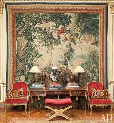 In architect Jorge Elias's São Paulo home, an bureau plat stands before a tapestry once owned by Louis XIV. Architectural Digest, Jorge Elias, Classic Decor, Glam House, Image Deco, Interior Decorating, Interior Design, Luxury Interior, Neoclassical