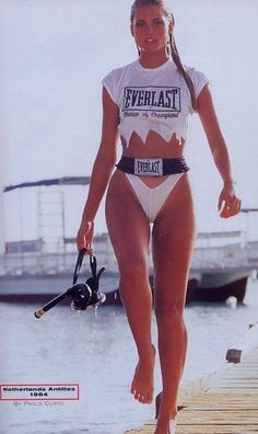 Kim Alexis in Bonaire on the Flamingo hotel dock for the 1984 Sports Illustrated Swimsuit Issue, photographed by Paolo Curto. Kim Alexis, Scuba Girl, Indie Outfits, 80s Fashion, Gorgeous Women, Beautiful, Bikini Girls, Sexy Women, Swimwear