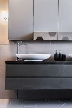 bathroom vanity//